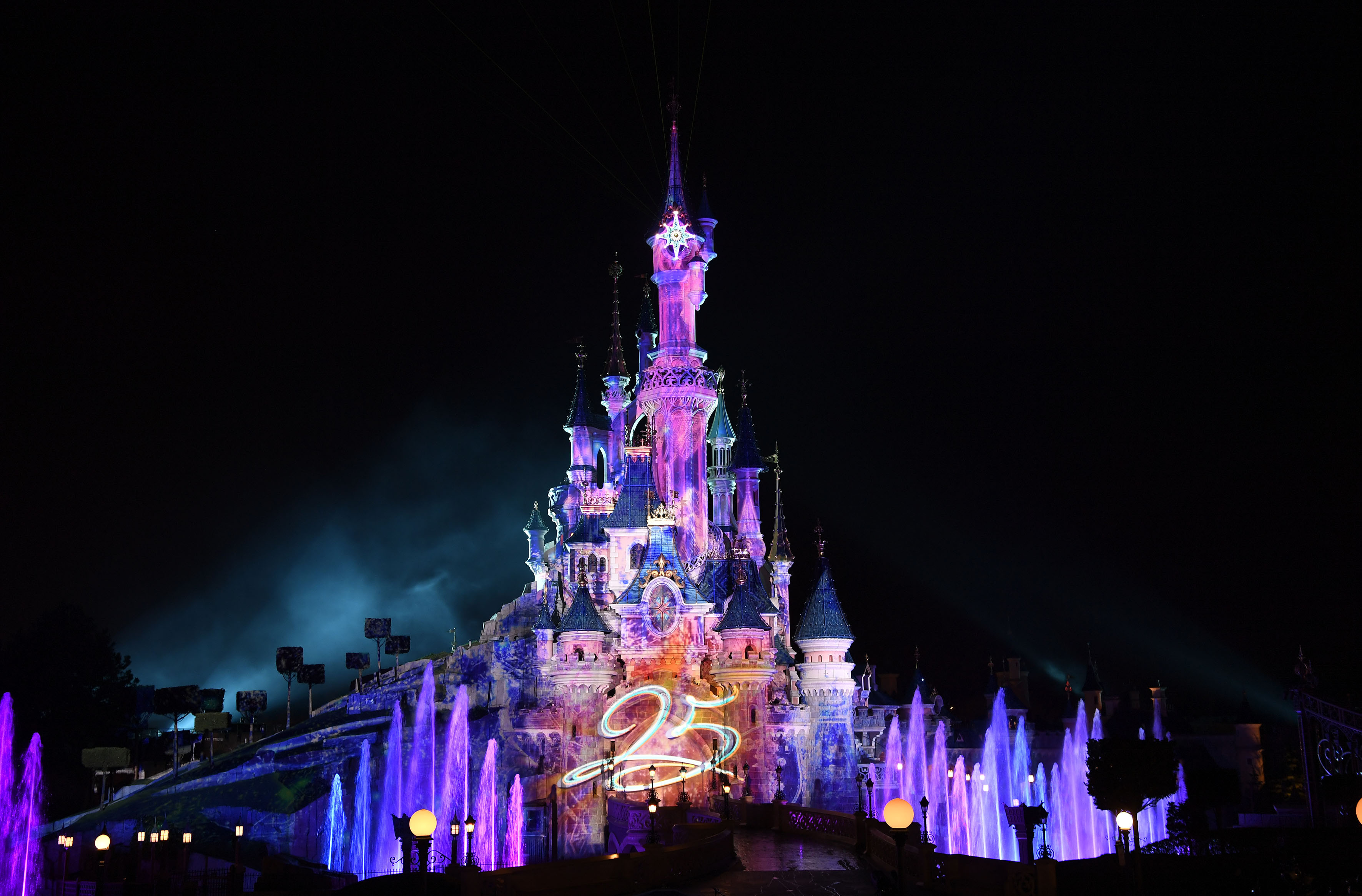 Disney Illuminations: How It Works Now and How I'd Like It